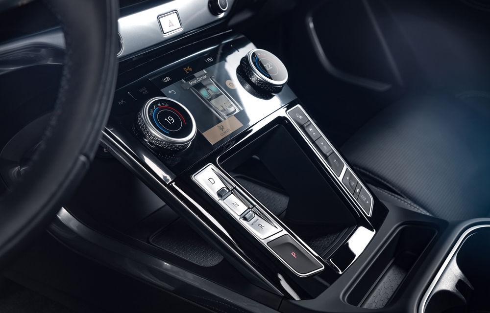 SUV-ul electric Jaguar I-Pace primește îmbunătățiri: sistem de infotainment de 12.3 inch și încărcare cu până la 11 kW la wall-box-uri casnice - Poza 28