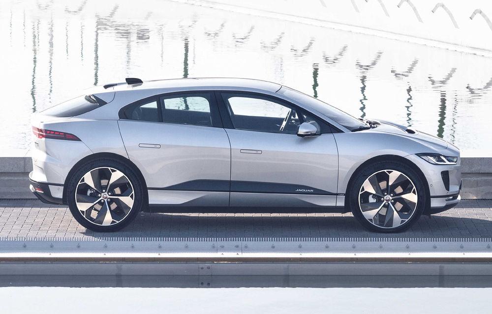 SUV-ul electric Jaguar I-Pace primește îmbunătățiri: sistem de infotainment de 12.3 inch și încărcare cu până la 11 kW la wall-box-uri casnice - Poza 12