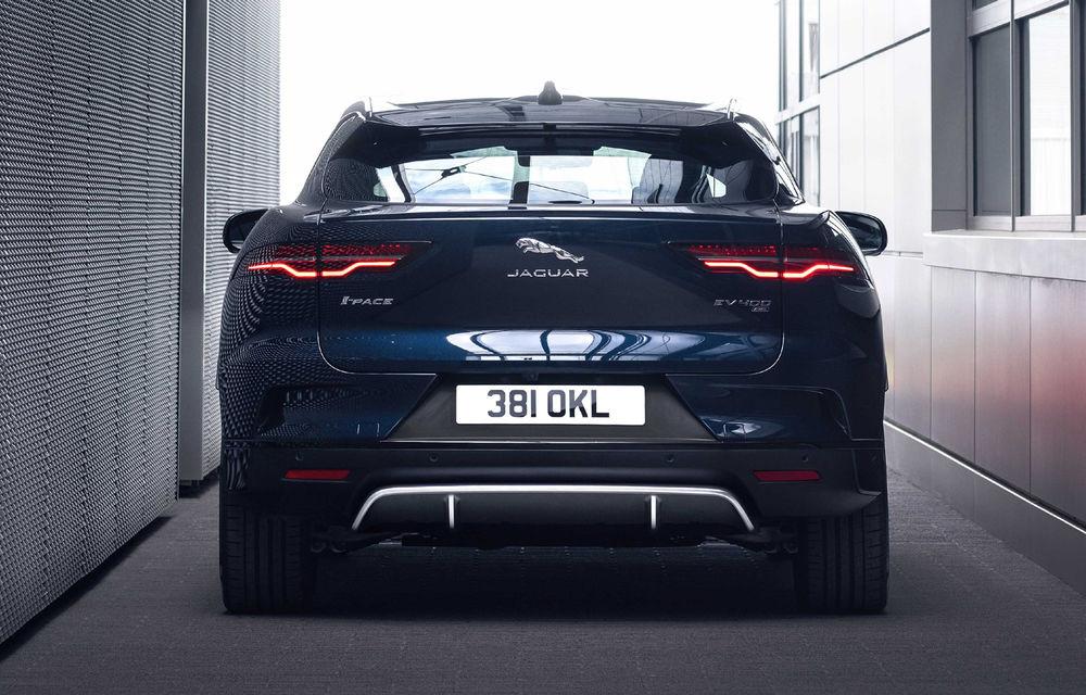 SUV-ul electric Jaguar I-Pace primește îmbunătățiri: sistem de infotainment de 12.3 inch și încărcare cu până la 11 kW la wall-box-uri casnice - Poza 22