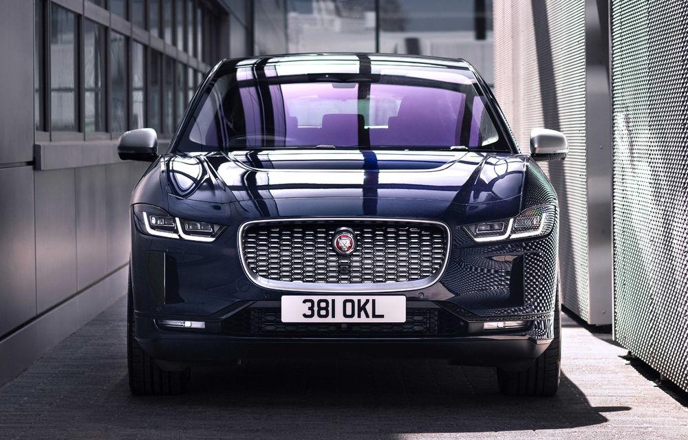SUV-ul electric Jaguar I-Pace primește îmbunătățiri: sistem de infotainment de 12.3 inch și încărcare cu până la 11 kW la wall-box-uri casnice - Poza 19