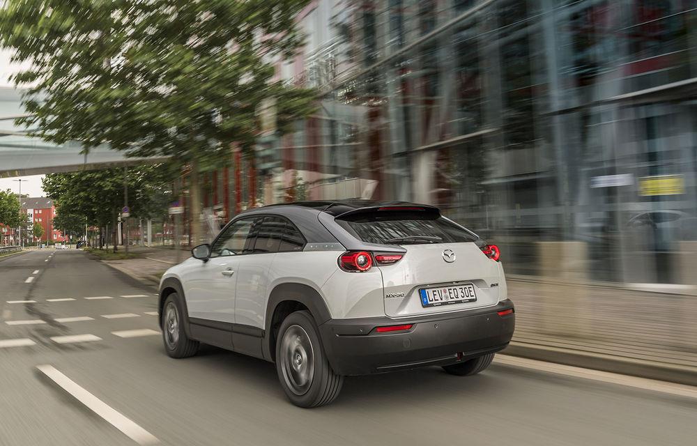 """Christian Schultze (Mazda) despre primul model electric al mărcii: """"MX-30 nu se conduce ca un tanc, dar nu e nici o mașină de curse. Autonomia mare este soluția birourilor de marketing"""" - Poza 6"""