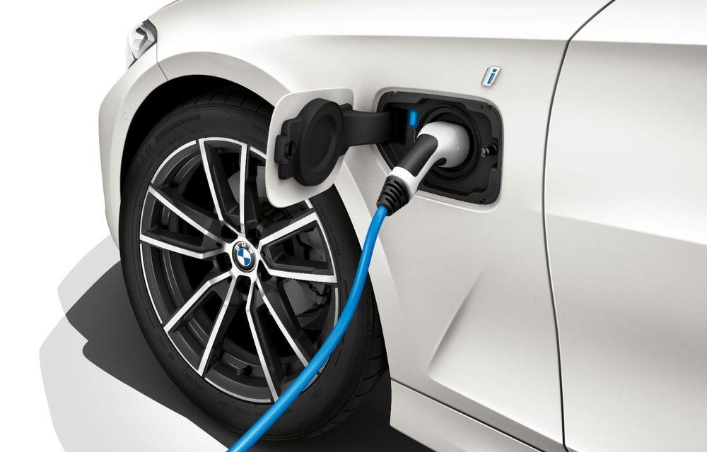 BMW a demarat testele cu versiunea electrică a lui Seria 3: sedanul de clasă medie ar putea prelua motorul de 286 CP al viitorului iX3 - Poza 1