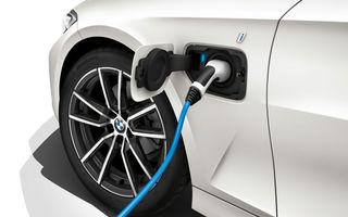 BMW a demarat testele cu versiunea electrică a lui Seria 3: sedanul de clasă medie ar putea prelua motorul de 286 CP al viitorului iX3