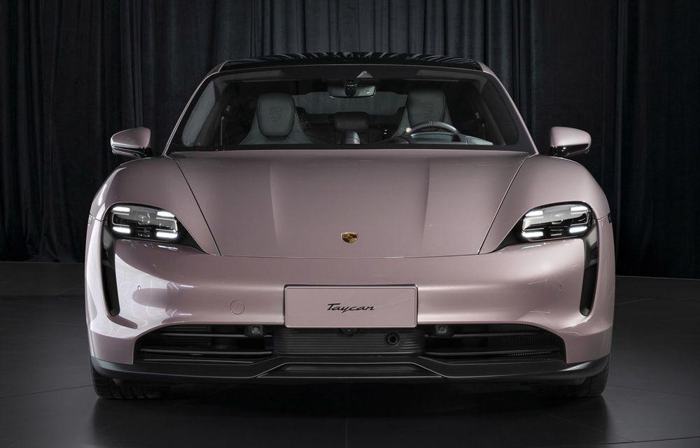 """Porsche Taycan are o nouă versiune de bază în China: modelul electric va fi disponibil în varianta simplă """"Taycan"""" și va avea o autonomie de până la 490 de kilometri - Poza 3"""