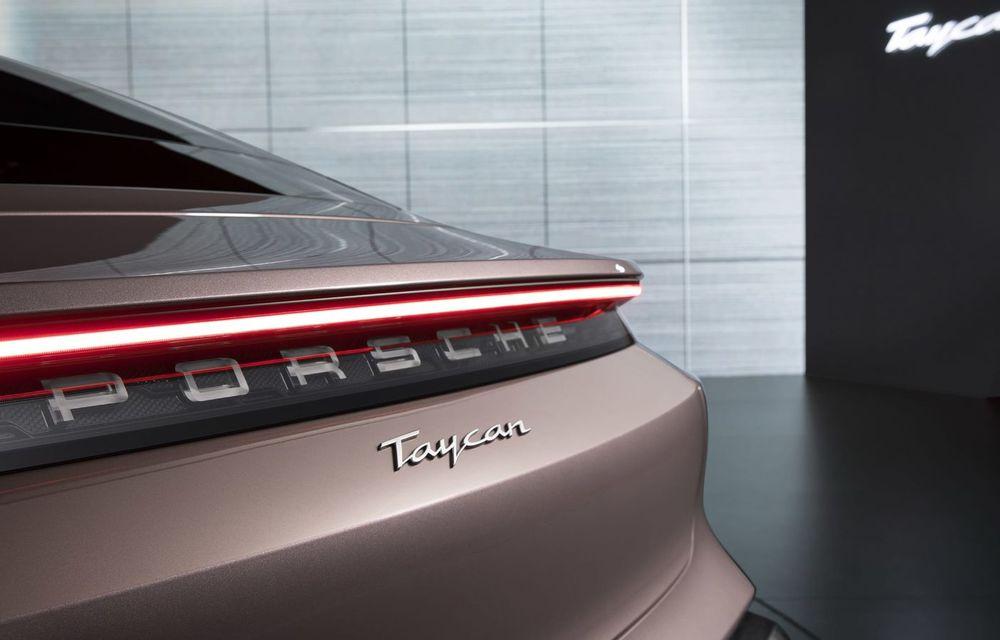 """Porsche Taycan are o nouă versiune de bază în China: modelul electric va fi disponibil în varianta simplă """"Taycan"""" și va avea o autonomie de până la 490 de kilometri - Poza 7"""
