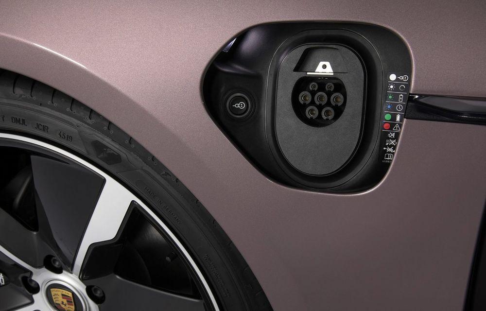 """Porsche Taycan are o nouă versiune de bază în China: modelul electric va fi disponibil în varianta simplă """"Taycan"""" și va avea o autonomie de până la 490 de kilometri - Poza 10"""