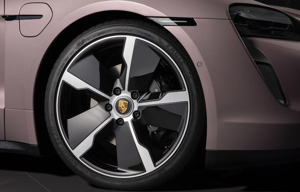 """Porsche Taycan are o nouă versiune de bază în China: modelul electric va fi disponibil în varianta simplă """"Taycan"""" și va avea o autonomie de până la 490 de kilometri - Poza 9"""