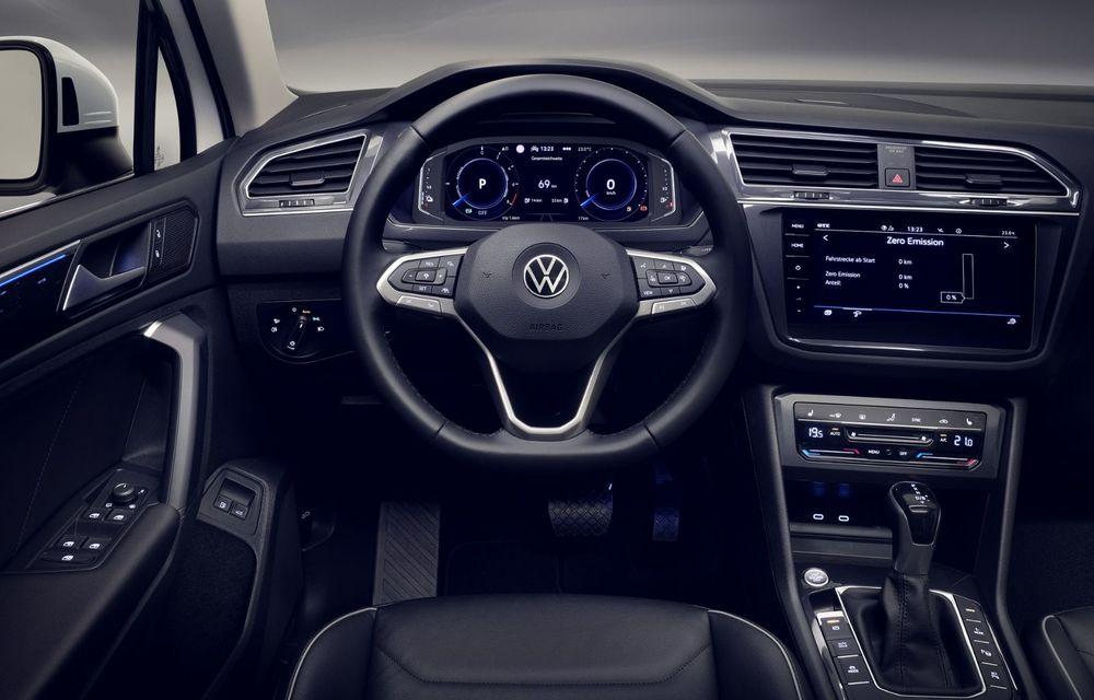 Volkswagen a prezentat Tiguan facelift: SUV-ul compact are versiune plug-in hybrid cu autonomie de până la 50 de kilometri și variantă de performanță cu 320 CP - Poza 32