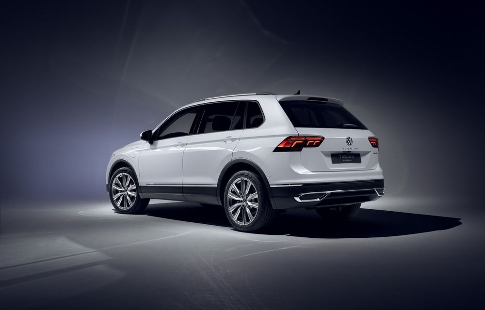 Volkswagen a prezentat Tiguan facelift: SUV-ul compact are versiune plug-in hybrid cu autonomie de până la 50 de kilometri și variantă de performanță cu 320 CP - Poza 15