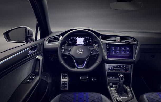 Volkswagen a prezentat Tiguan facelift: SUV-ul compact are versiune plug-in hybrid cu autonomie de până la 50 de kilometri și variantă de performanță cu 320 CP - Poza 33