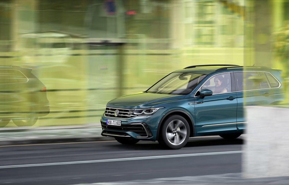 Volkswagen a prezentat Tiguan facelift: SUV-ul compact are versiune plug-in hybrid cu autonomie de până la 50 de kilometri și variantă de performanță cu 320 CP - Poza 4