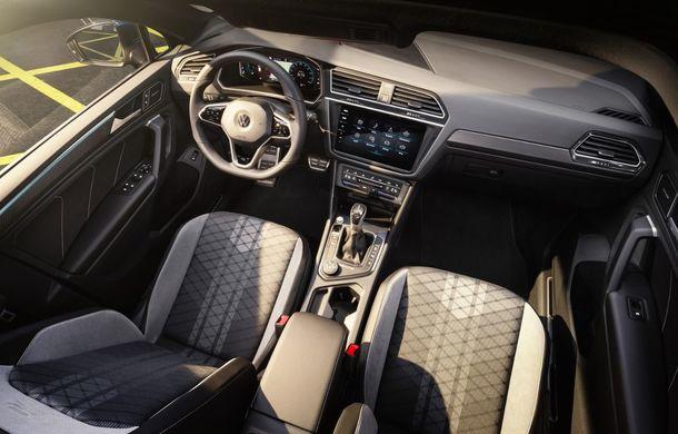 Volkswagen a prezentat Tiguan facelift: SUV-ul compact are versiune plug-in hybrid cu autonomie de până la 50 de kilometri și variantă de performanță cu 320 CP - Poza 31