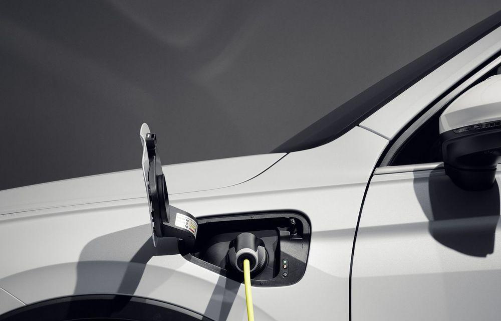 Volkswagen a prezentat Tiguan facelift: SUV-ul compact are versiune plug-in hybrid cu autonomie de până la 50 de kilometri și variantă de performanță cu 320 CP - Poza 25