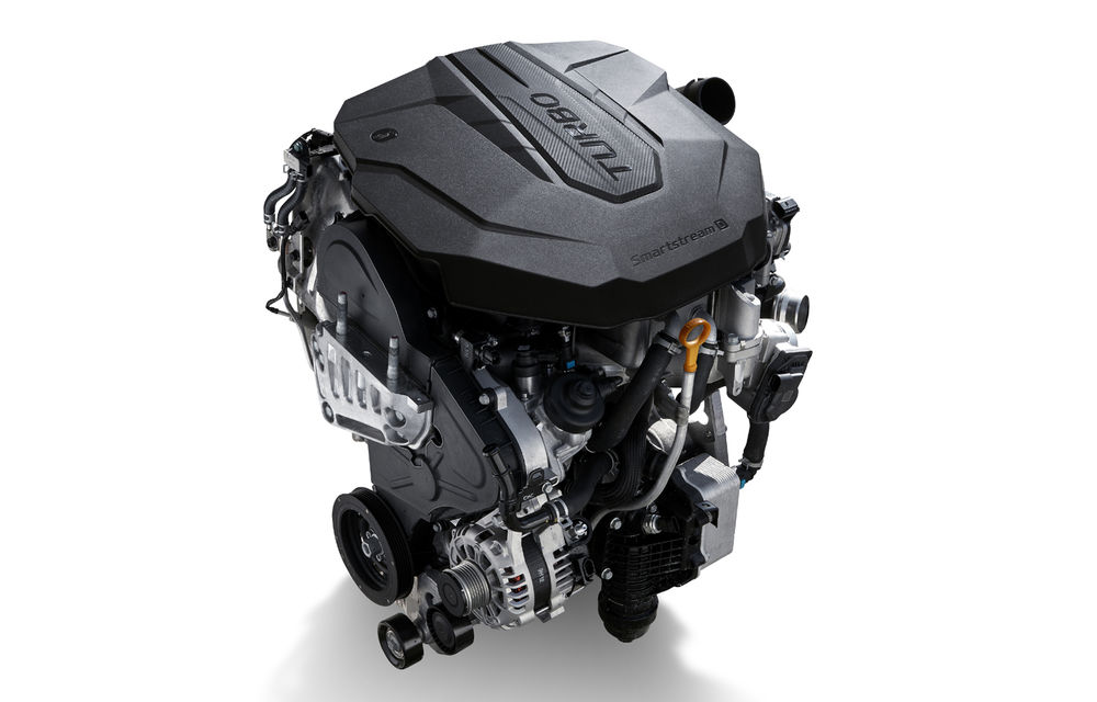 Detalii despre motorizările lui Hyundai Santa Fe facelift: versiune plug-in hybrid de 265 CP, variantă hibridă de 230 CP și un motor diesel de 202 CP - Poza 3