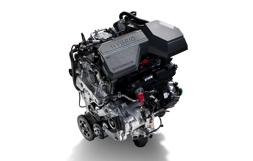 Detalii despre motorizările lui Hyundai Santa Fe facelift: versiune plug-in hybrid de 265 CP, variantă hibridă de 230 CP și un motor diesel de 202 CP - Poza 2