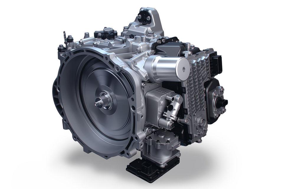 Detalii despre motorizările lui Hyundai Santa Fe facelift: versiune plug-in hybrid de 265 CP, variantă hibridă de 230 CP și un motor diesel de 202 CP - Poza 4