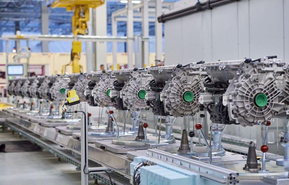 BMW începe producția pentru a cincea generație eDrive: noul sistem de propulsie va fi utilizat pe SUV-ul electric iX3 - Poza 1