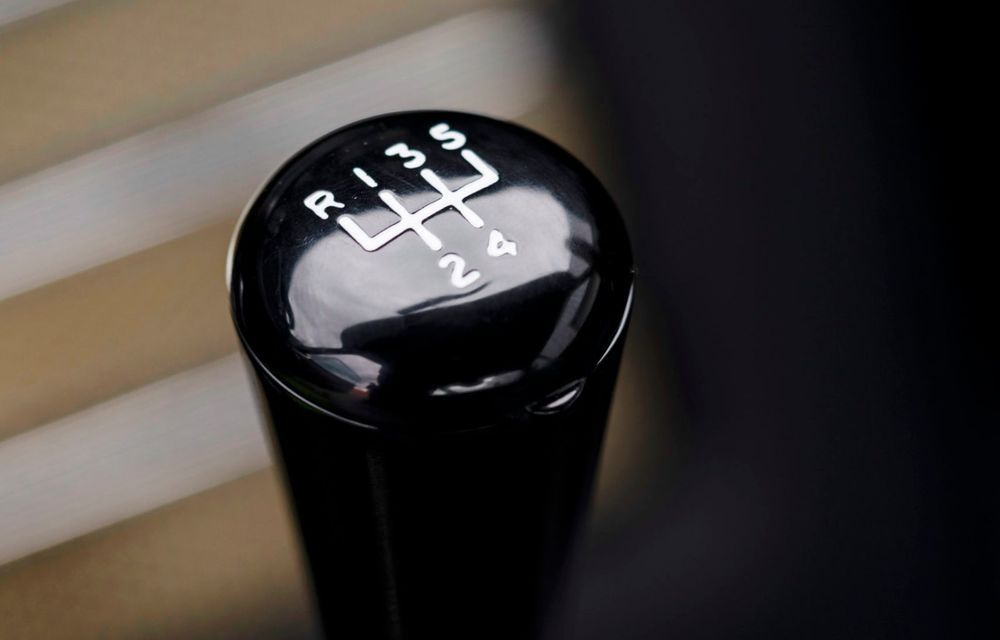 Aston Martin a produs primul exemplar din seria DB5 Goldfinger Continuation: ediția va fi limitată la 25 de unități și are un preț de peste 3 milioane de euro - Poza 33