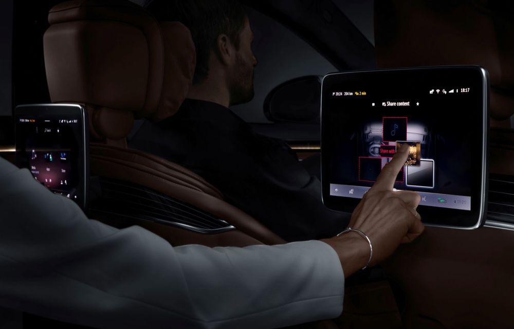 Primele imagini cu interiorul viitorului Mercedes-Benz Clasa S: vârful de gamă va putea fi comandat cu 5 ecrane și va avea instrumentar de bord 3D - Poza 13