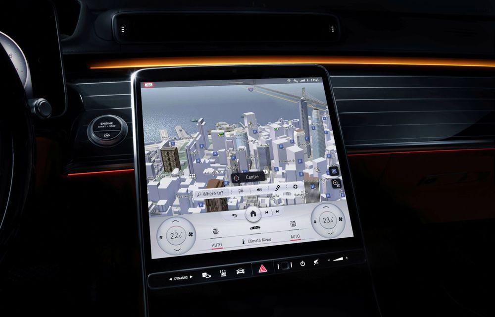 Primele imagini cu interiorul viitorului Mercedes-Benz Clasa S: vârful de gamă va putea fi comandat cu 5 ecrane și va avea instrumentar de bord 3D - Poza 4
