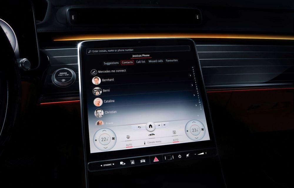Primele imagini cu interiorul viitorului Mercedes-Benz Clasa S: vârful de gamă va putea fi comandat cu 5 ecrane și va avea instrumentar de bord 3D - Poza 5