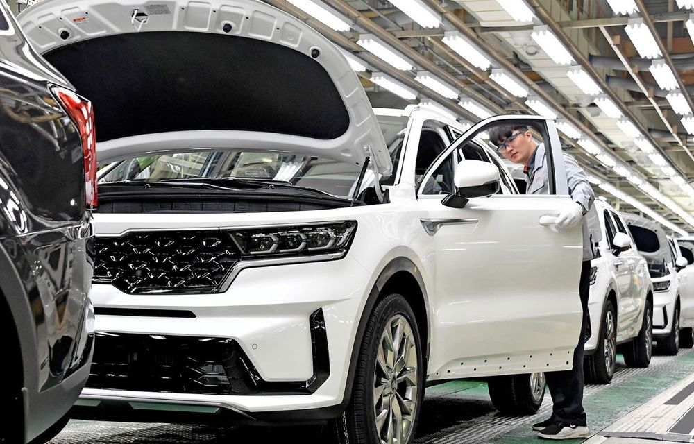 Kia a început producția pentru noua generație Sorento: primele exemplare Sorento Hybrid vor ajunge în Europa - Poza 1