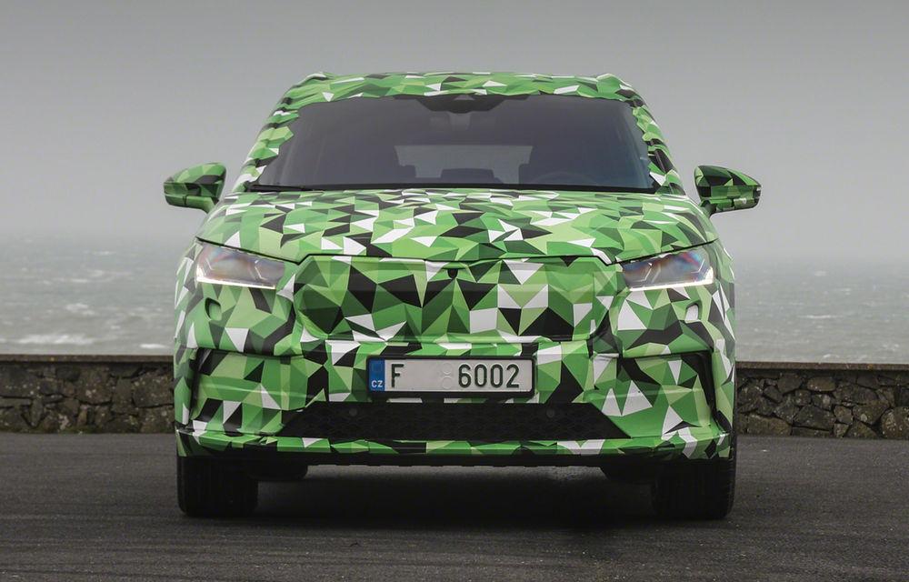 Video. Skoda Enyaq iV, surprins în timpul testelor: producția SUV-ului electric va începe la sfârșitul acestui an - Poza 1