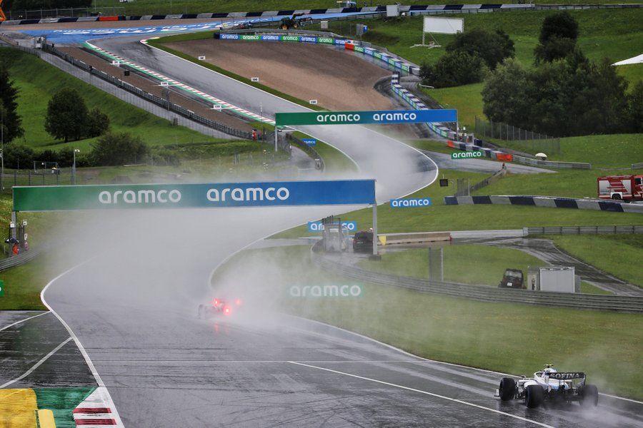 Hamilton, pole position pe ploaie în Austria! Verstappen, locul doi în fața lui Sainz după un derapaj în ultimul tur rapid - Poza 4