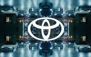 Noutăți de branding la Toyota: japonezii modifică logo-ul pentru comunicarea online, dar sigla de pe mașini rămâne aceeași