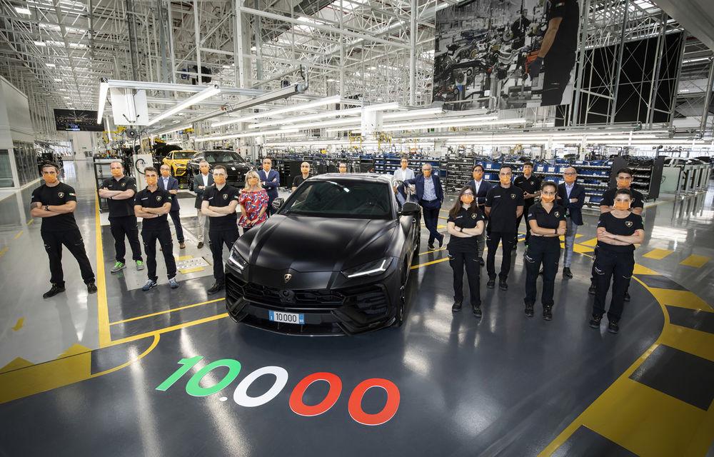 Sărbătoare la Lamborghini: SUV-ul Urus a atins pragul de 10.000 de unități produse - Poza 1