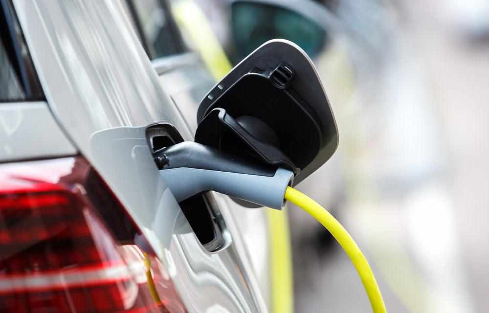 Modificări la încărcarea mașinilor electrice în rețeaua Renovatio din cadrul hypermarket-urilor Kaufland: gratuit doar la cumpărături de minim 500 de lei pe lună - Poza 1