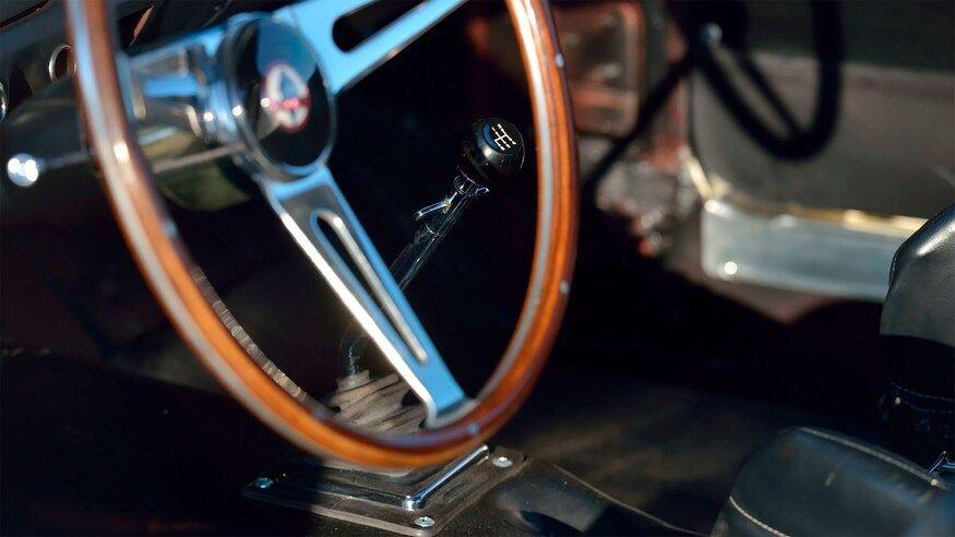 Cel mai scump Mustang din lume: Ford Shelby Mustang GT350R, vândut la licitație pentru 3.85 milioane de dolari - Poza 6
