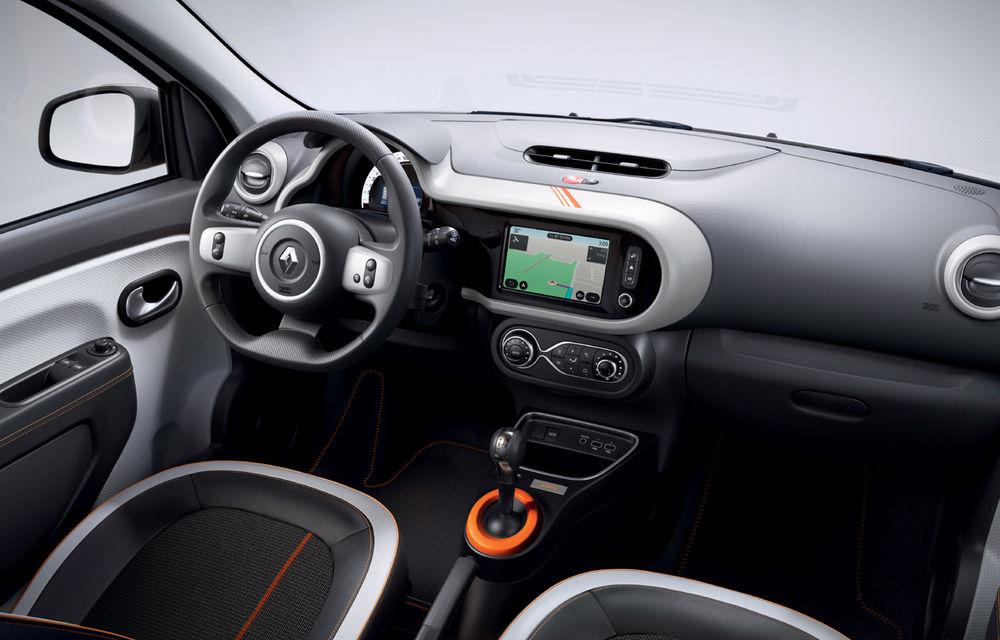 Renault Twingo ZE primește ediția limitată Vibes: culoare de caroserie Valencia Orange pentru cel mai nou model electric al francezilor - Poza 10