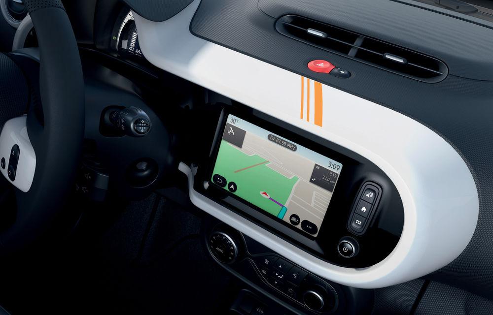 Renault Twingo ZE primește ediția limitată Vibes: culoare de caroserie Valencia Orange pentru cel mai nou model electric al francezilor - Poza 9