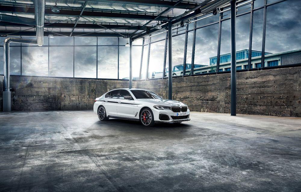 BMW lansează gama de accesorii M Performance pentru Seria 5 și M5 facelift: elemente de caroserie din fibră de carbon și noutăți pentru interior - Poza 3
