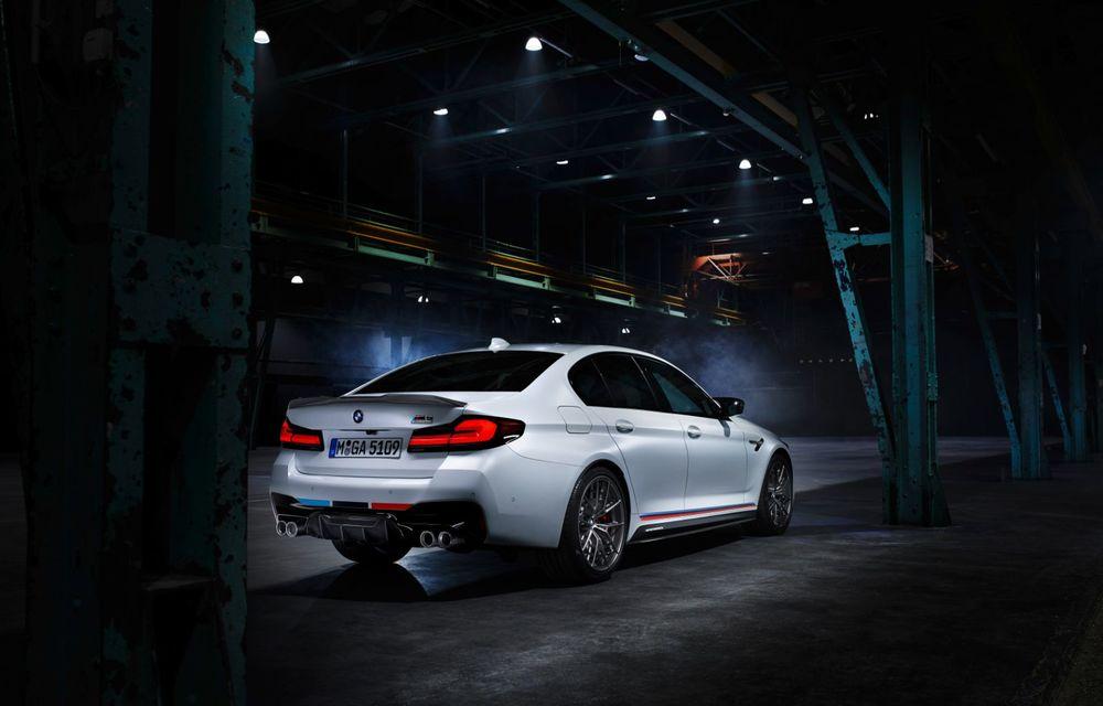 BMW lansează gama de accesorii M Performance pentru Seria 5 și M5 facelift: elemente de caroserie din fibră de carbon și noutăți pentru interior - Poza 11