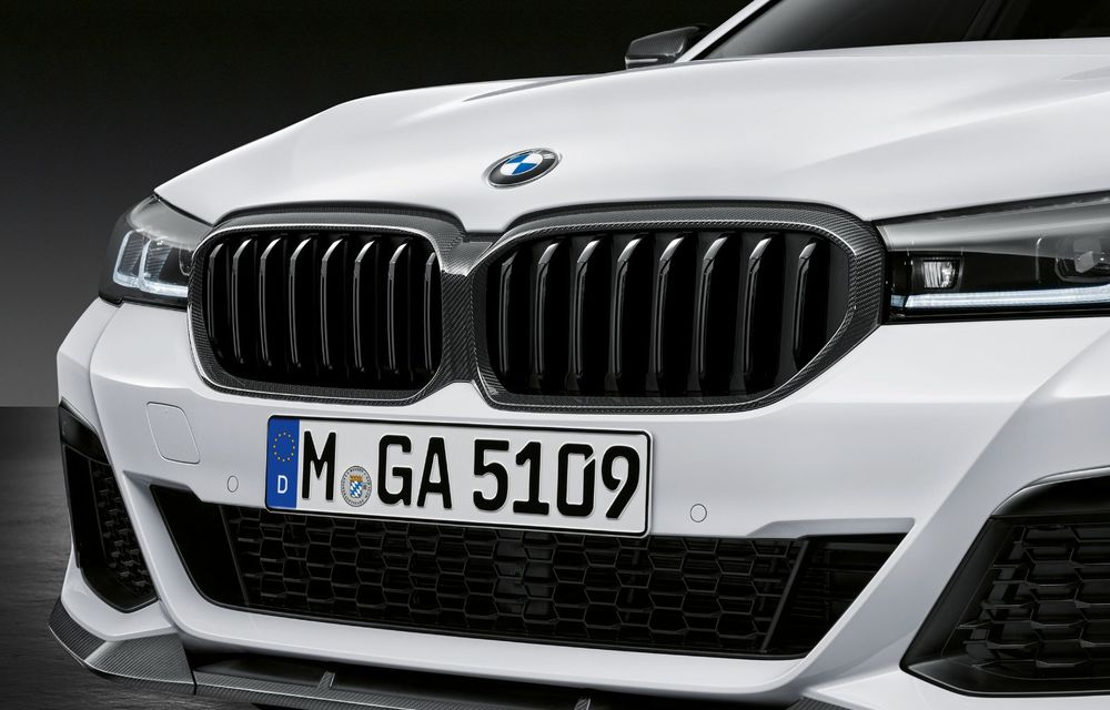 BMW lansează gama de accesorii M Performance pentru Seria 5 și M5 facelift: elemente de caroserie din fibră de carbon și noutăți pentru interior - Poza 14