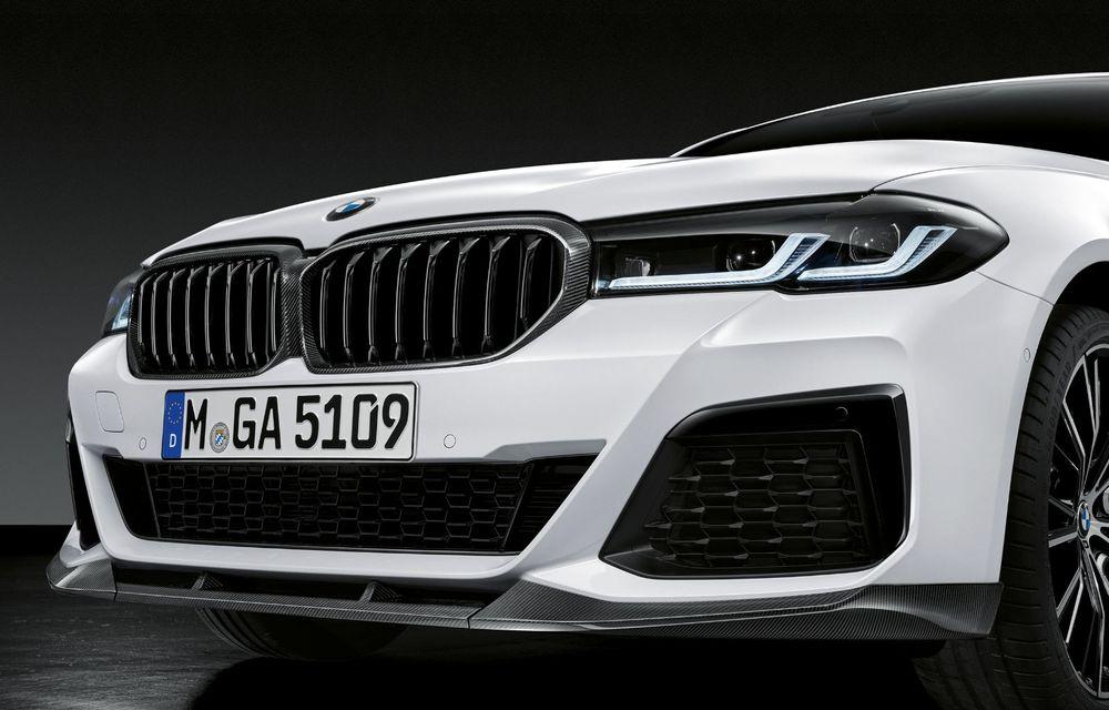 BMW lansează gama de accesorii M Performance pentru Seria 5 și M5 facelift: elemente de caroserie din fibră de carbon și noutăți pentru interior - Poza 13