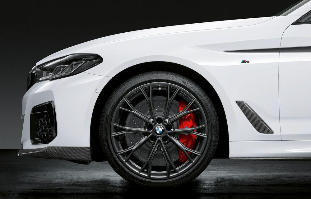 BMW lansează gama de accesorii M Performance pentru Seria 5 și M5 facelift: elemente de caroserie din fibră de carbon și noutăți pentru interior - Poza 15