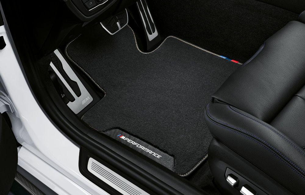 BMW lansează gama de accesorii M Performance pentru Seria 5 și M5 facelift: elemente de caroserie din fibră de carbon și noutăți pentru interior - Poza 53