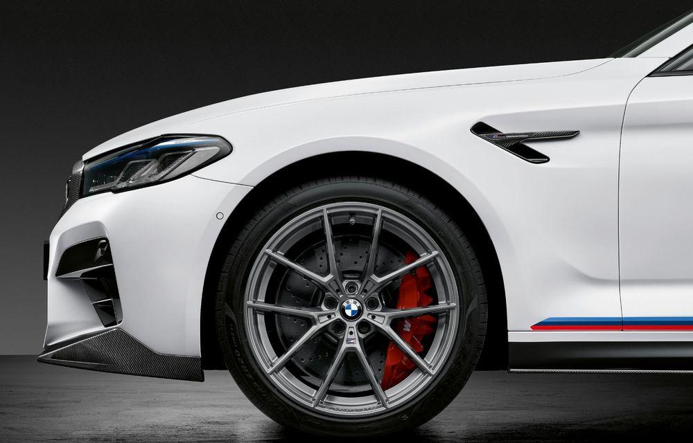 BMW lansează gama de accesorii M Performance pentru Seria 5 și M5 facelift: elemente de caroserie din fibră de carbon și noutăți pentru interior - Poza 47