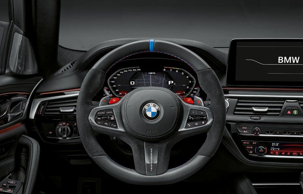 BMW lansează gama de accesorii M Performance pentru Seria 5 și M5 facelift: elemente de caroserie din fibră de carbon și noutăți pentru interior - Poza 49