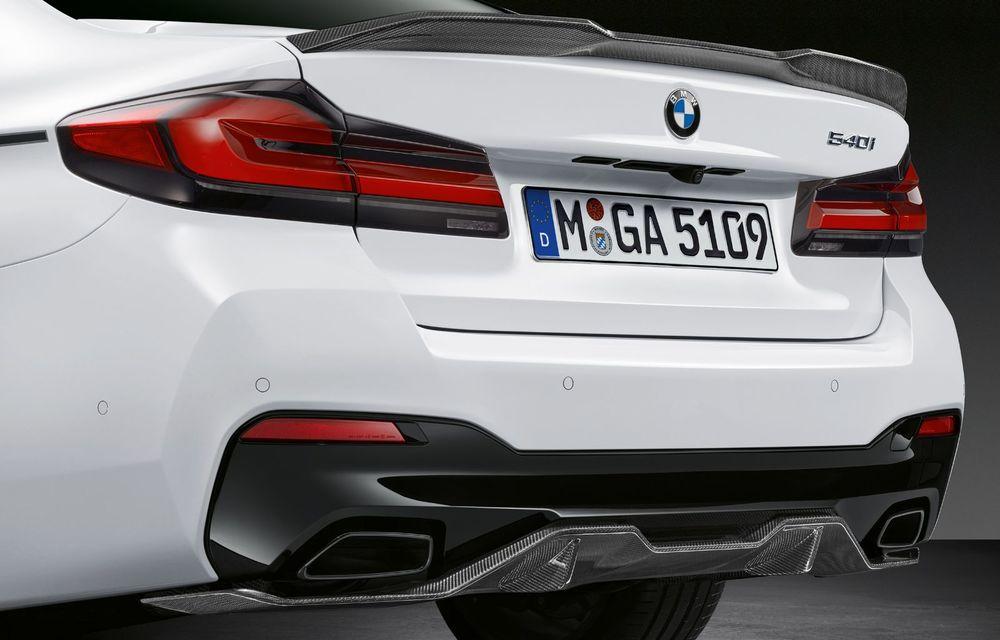 BMW lansează gama de accesorii M Performance pentru Seria 5 și M5 facelift: elemente de caroserie din fibră de carbon și noutăți pentru interior - Poza 27