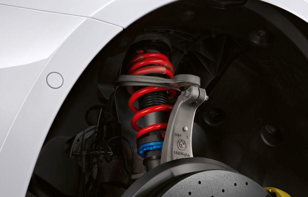 BMW lansează gama de accesorii M Performance pentru Seria 5 și M5 facelift: elemente de caroserie din fibră de carbon și noutăți pentru interior - Poza 39