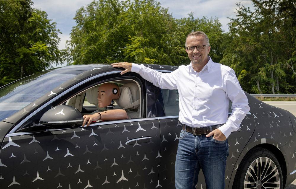 Primele imagini camuflate cu noua generație Mercedes-Benz Clasa S: modelul va avea suspensie activă, direcție integrală și numeroase sisteme de asistență - Poza 14
