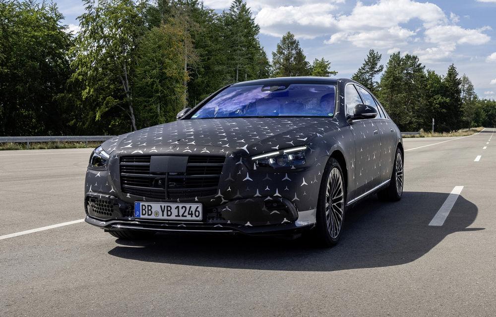 Primele imagini camuflate cu noua generație Mercedes-Benz Clasa S: modelul va avea suspensie activă, direcție integrală și numeroase sisteme de asistență - Poza 16