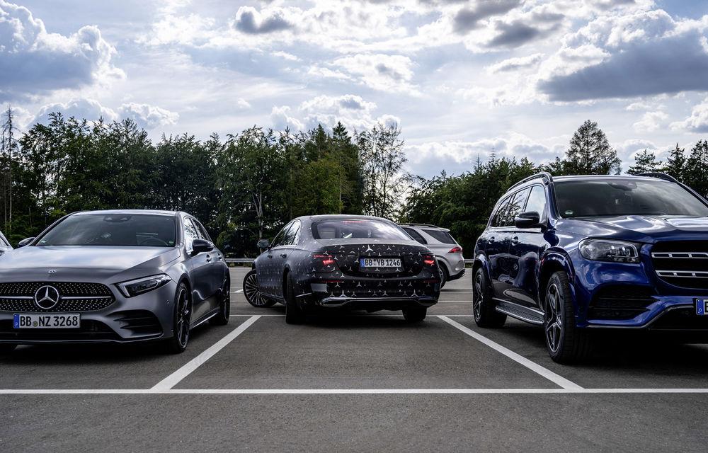 Primele imagini camuflate cu noua generație Mercedes-Benz Clasa S: modelul va avea suspensie activă, direcție integrală și numeroase sisteme de asistență - Poza 11