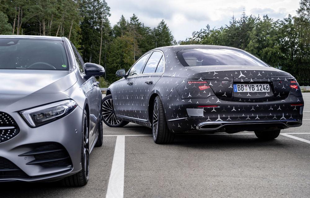 Primele imagini camuflate cu noua generație Mercedes-Benz Clasa S: modelul va avea suspensie activă, direcție integrală și numeroase sisteme de asistență - Poza 13