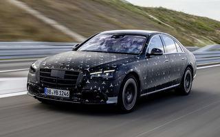Primele imagini camuflate cu noua generație Mercedes-Benz Clasa S: modelul va avea suspensie activă, direcție integrală și numeroase sisteme de asistență