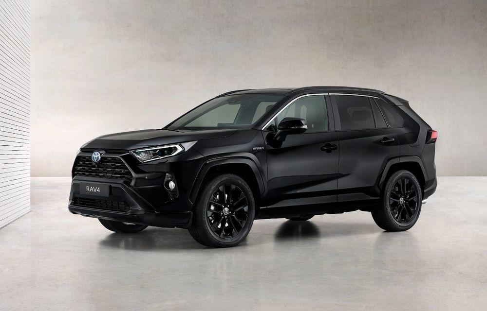 Toyota lansează RAV4 Hybrid Black Edition: versiune specială vopsită complet în negru - Poza 2